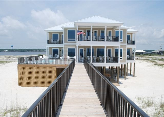 Morning Call Is One Of Our Gulf Shores Beach House Rentals With A Pool.